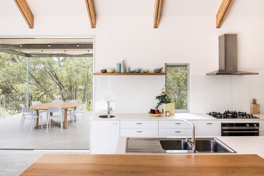 Family Beach House in Eagle Bay, Western Australia 5