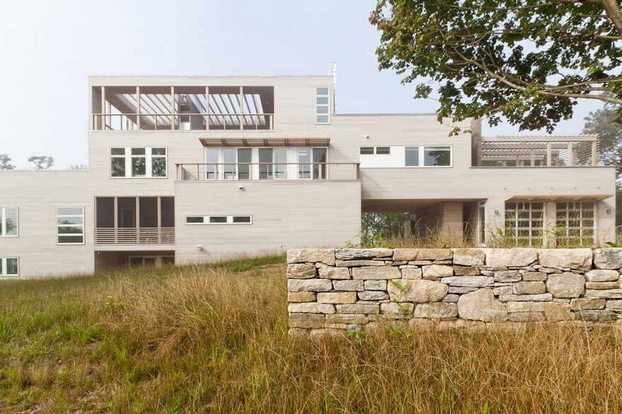 Fishers Island House is a Prefabricated Home Composed of Eight Lego-like Boxes 2