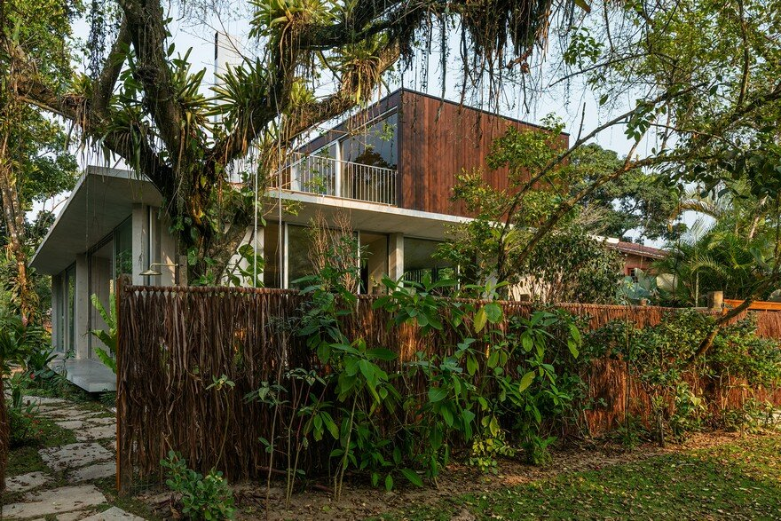 Itamambuca Beach House Surrounded by a Dense and Rich Rainforest Vegetation
