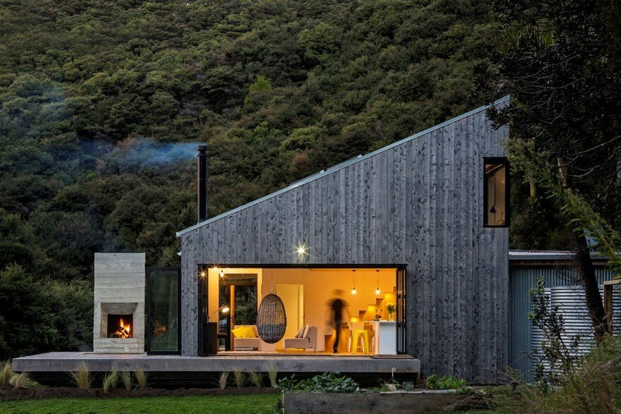 Modern Family Bach Inspired by New Zealand's Backcountry Huts