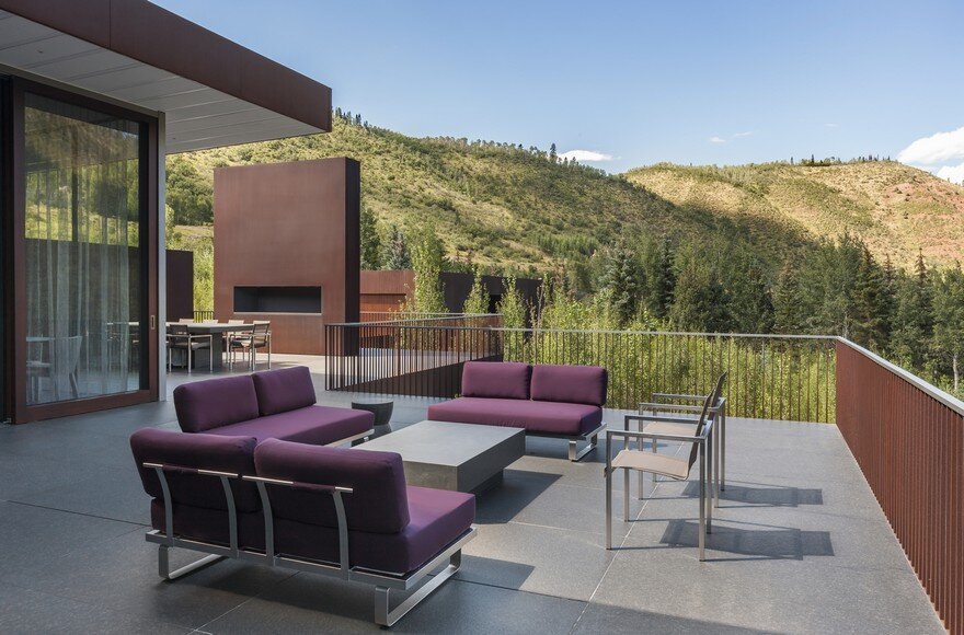 Steel House Perched on the Edge of a Beautiful Canyon in Colorado 7