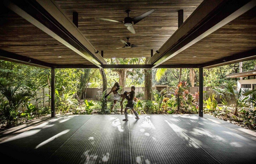 Yoga Studio and Boutique Hotel Set into in Tropical Landscape of Nosara, Costa Rica 10