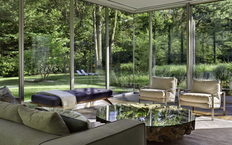1950 Ranch House in New York Gets a Transparent Pavilion Extension 7