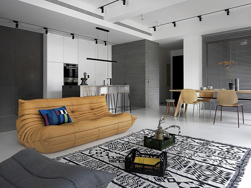 39 sqm Contemporary Apartment Personalized in Gray and White