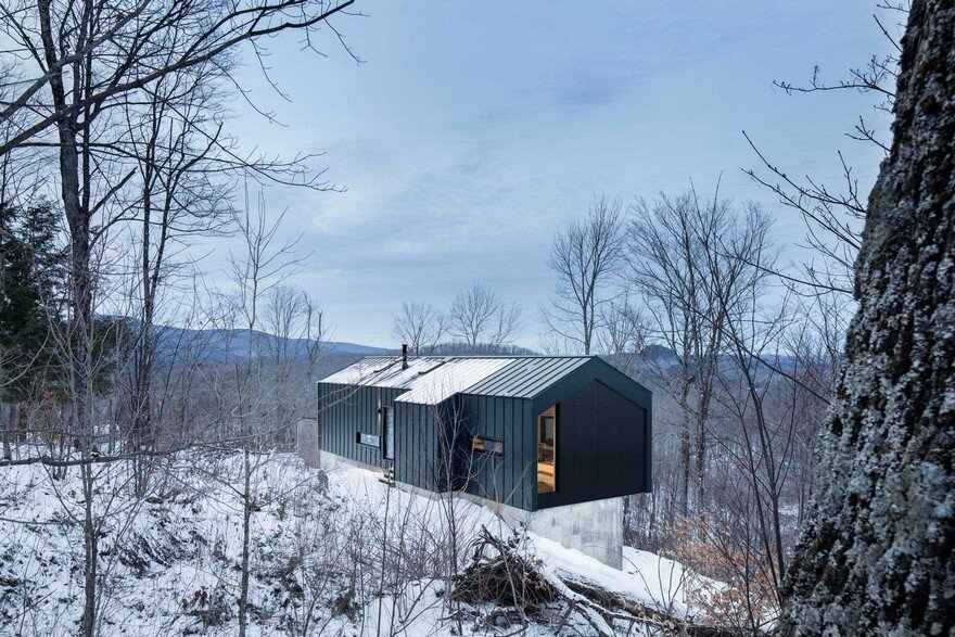Quebec Country House Consisting of Two Stacked Volumes 2