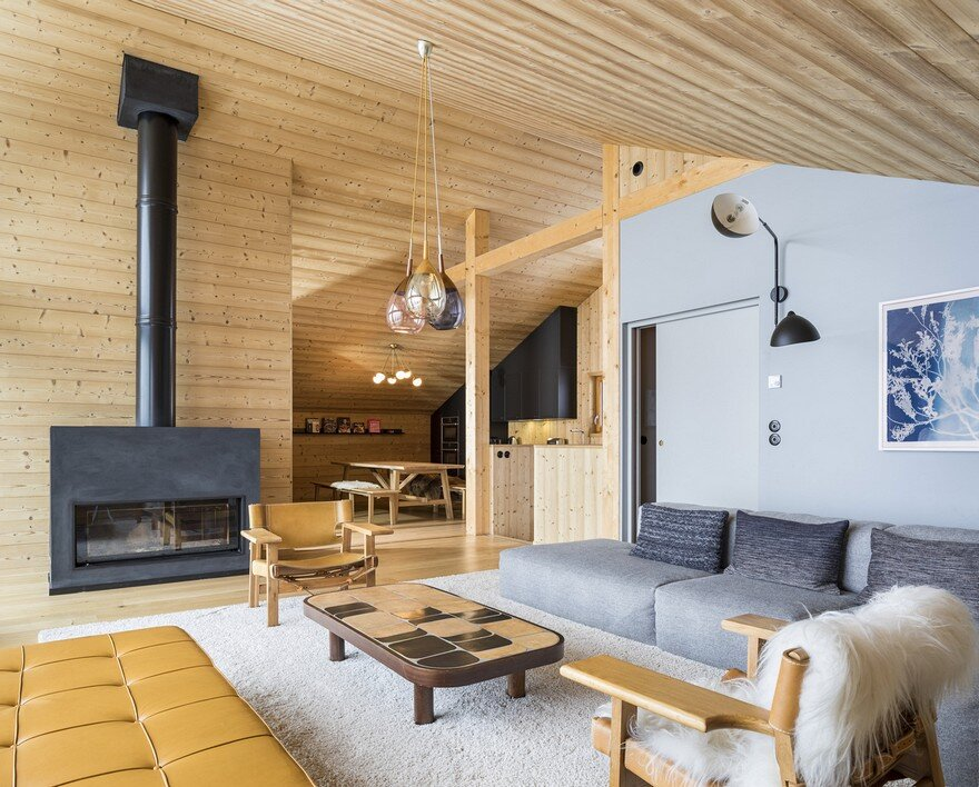 This Wooden Mountain House Features Delightful Mix of Traditional and Modern 11