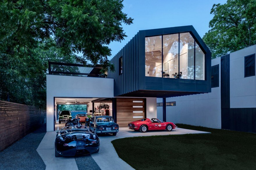 Autohaus Residence and Car Collectors' Garage in Central Texas 19