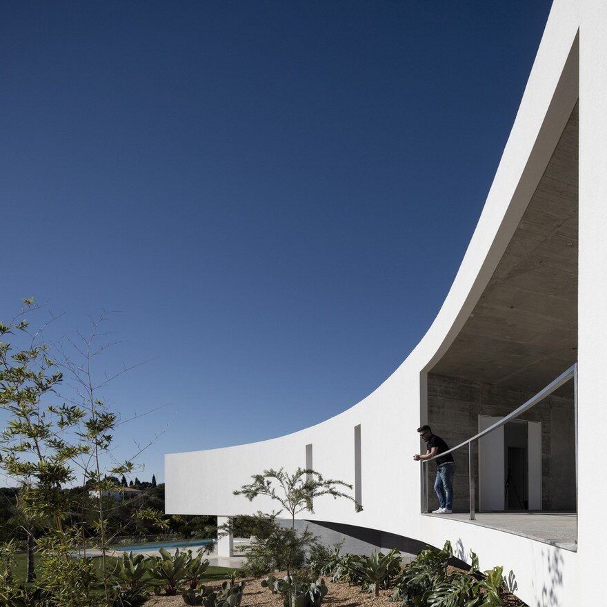 Beautiful Portuguese House Balances Indoor and Outdoor Spaces 1