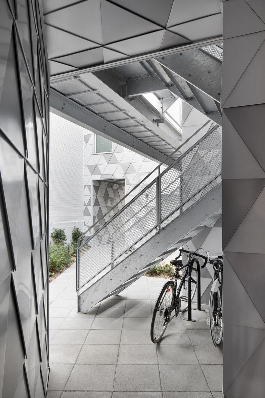 Contemporary Residential Building of Five Housing Units: La Géode by ADHOC Architects 6
