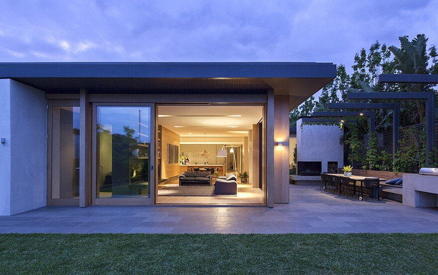Bungalow-Style Home Extensively Renovated and Extended in Melbourne 13