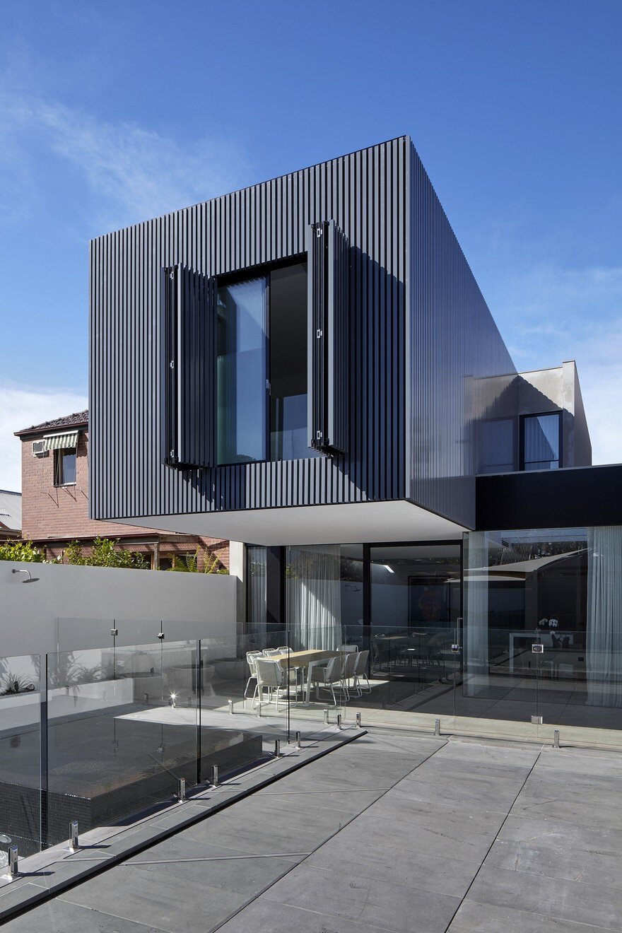 Impressive Extension to a Three Bedroom Private Residence in Melbourne 2