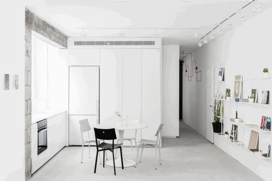 Minimalist Interior Showcased by Black & White Apartment in Tel Aviv 5