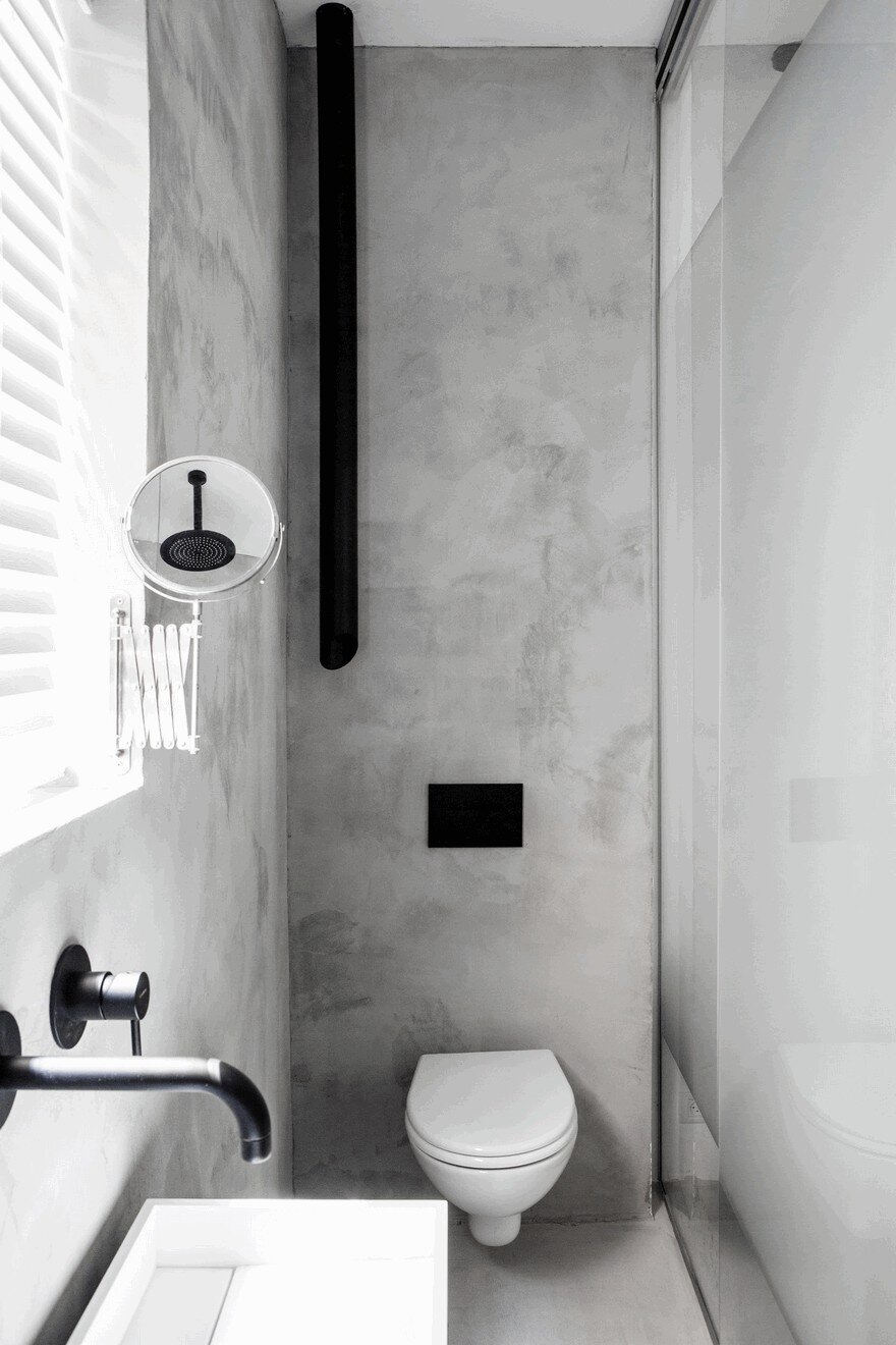 Minimalist Interior Showcased by Black & White Apartment in Tel Aviv 16