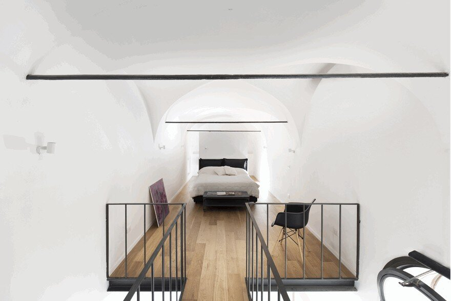 Minimalist Vertical Loft in Palermo with Clever Space-Saving Solutions 8