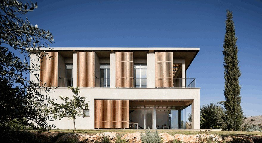 A Galilee House Integrated into the Pastoral Surroundings / Golany Architects