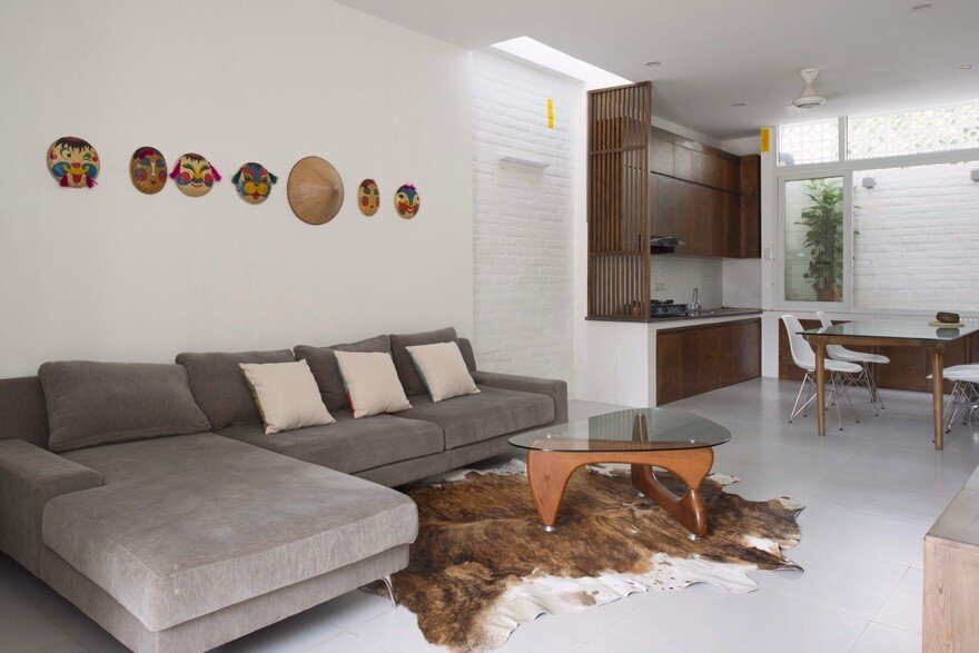 Minimalist Vietnamese Home Adapted to a Long and Narrow Lot 2