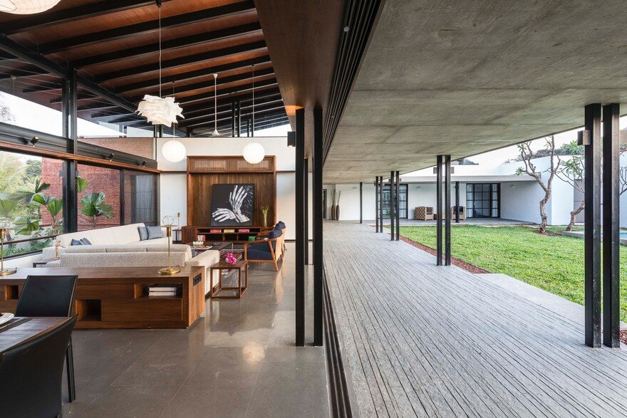 Twin Houses, SPASM Design Architects 4