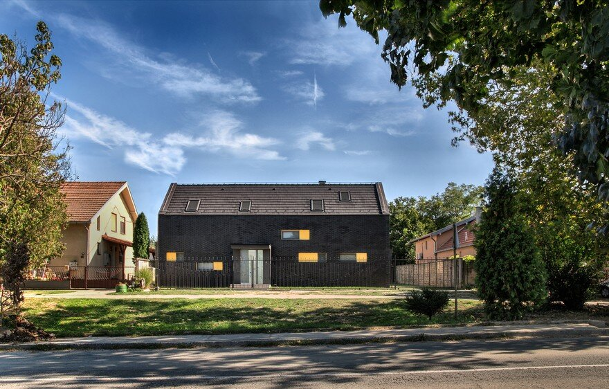 Rilak Family Residence Inspired by the Traditional House in Vojvodina