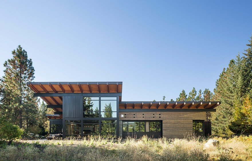 Tumble Creek Net-Zero Cabin Blends Sustainable Modern Architecture with Reclaimed Rustic Materials