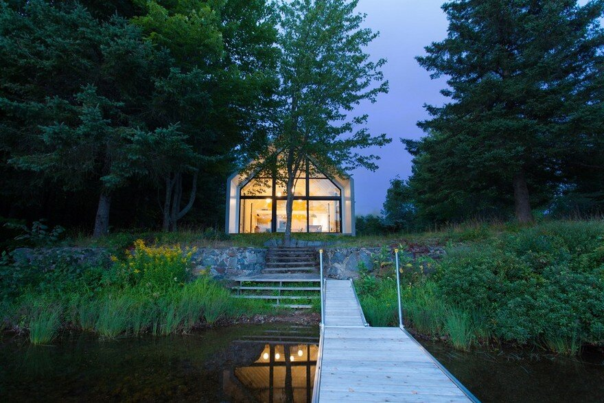 YH2 Designed a Charming Family Cottage on the Shores of a Lake 18