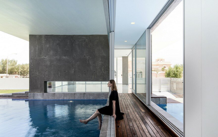 Elegant Minimalist House in Kuwait, Studio Toggle 14