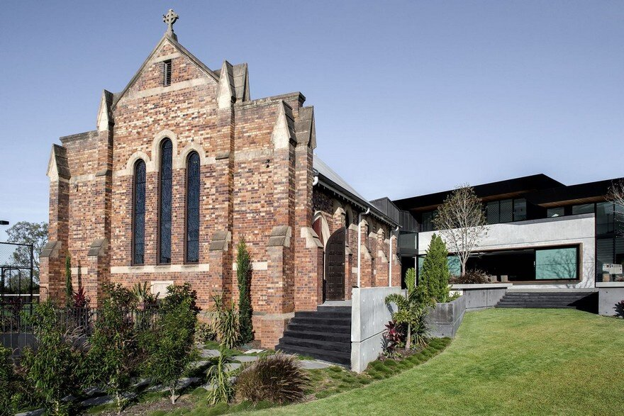 Church House is an Adaptation of an Existing Heritage Church into a Unique Family Home