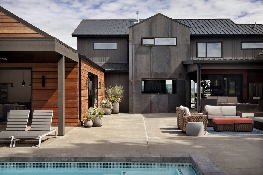 Open Floor Plan Home Featuring a Natural Palette of Steel, Concrete and Walnut 3