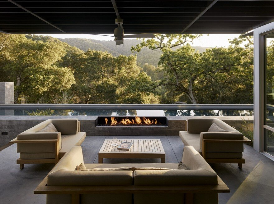 This Ranch Retreat Was Designed Around A 100-Year-Old Oak Tree 11