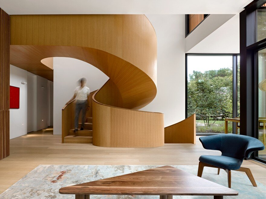 An Intergenerational Home Conceived by Williamson Williamson as Two Distinct Residences 9