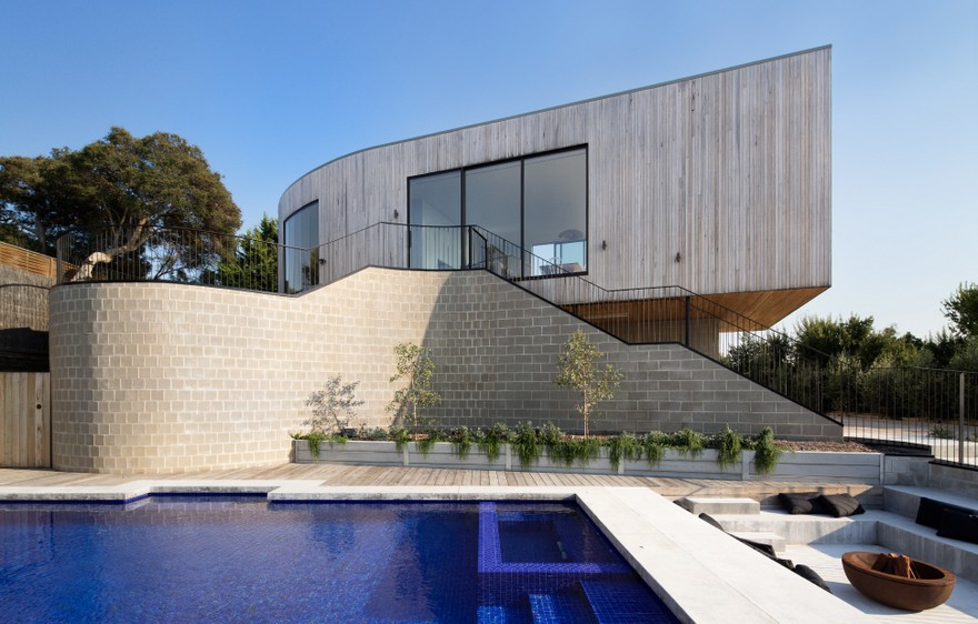 Parkside Beach House by Cera Stribley Architects