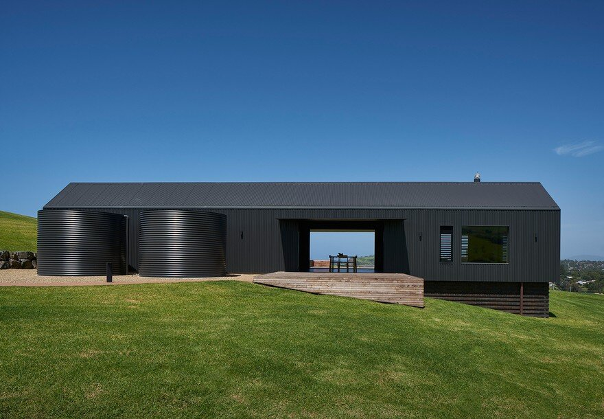 Pavilion-Like House Offers Spectacular Views of New South Wales's Werri Beach 3