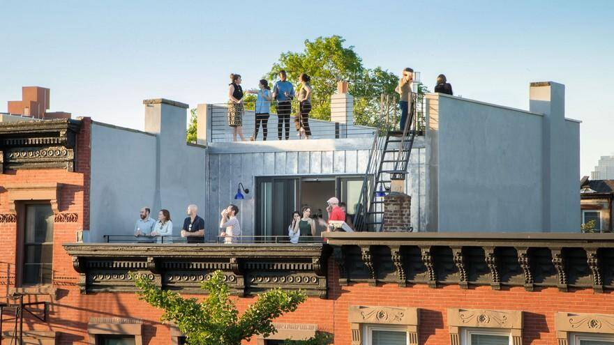 Greenwood Heights Rooftop Addition by Ben Herzog Architect 1