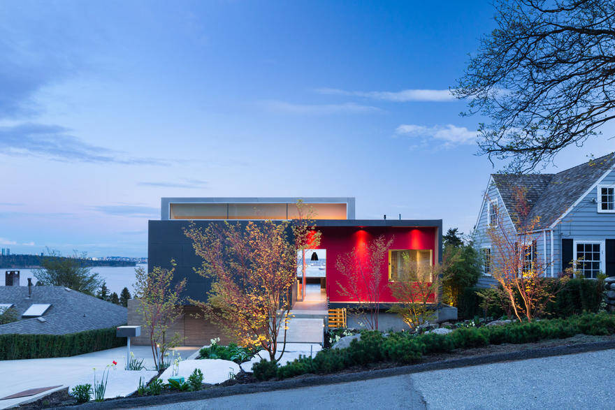 Container House in West Vancouver, McLeod Bovell Modern Houses