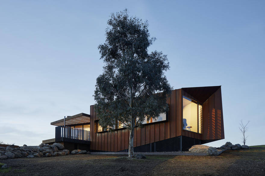 Breakneck Gorge Oikos Designed as an Indulgent Retreat from the City 7