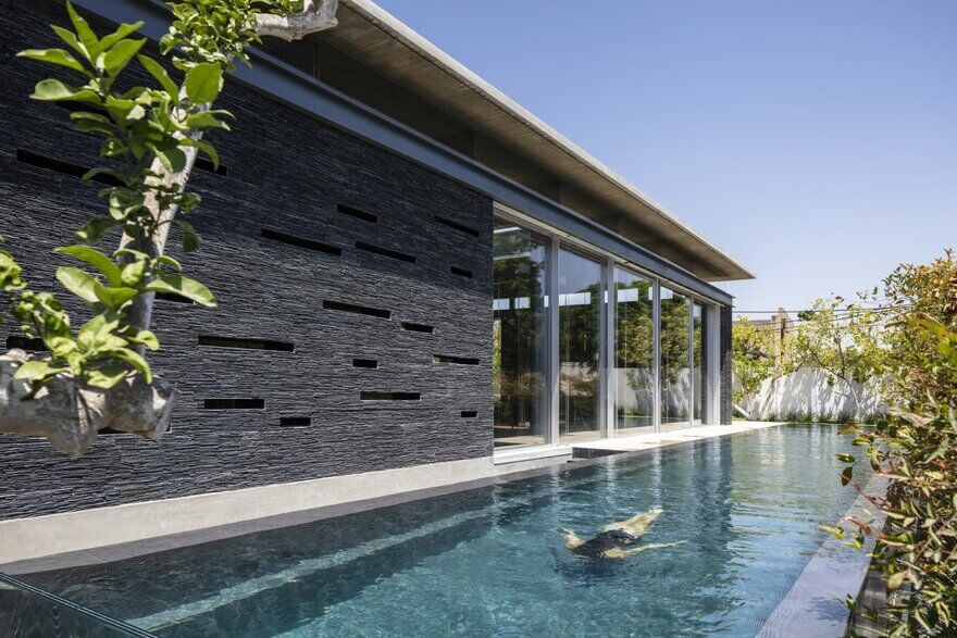 Contemporary Pavilion Residence with Linear Swimming Pool 15