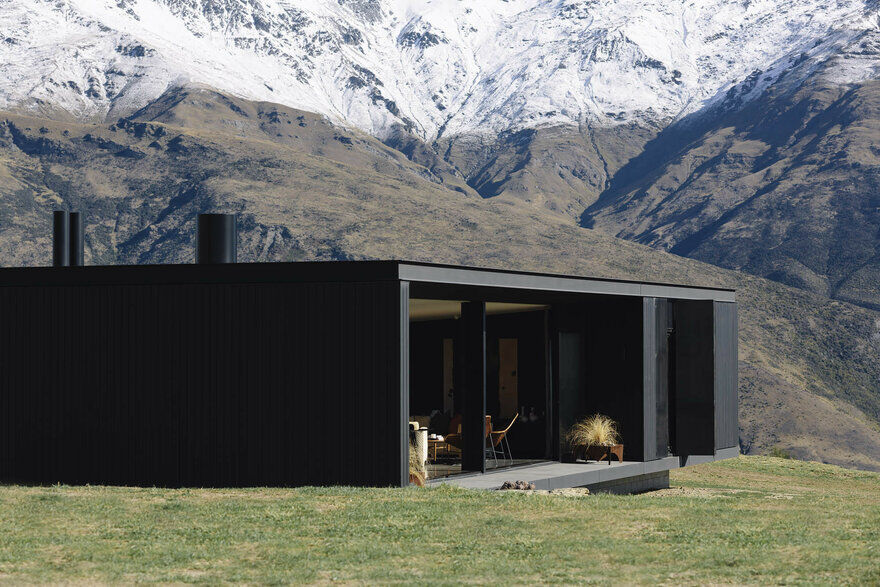 Alpine Terrace House Float in the New Zealand Mountains 1