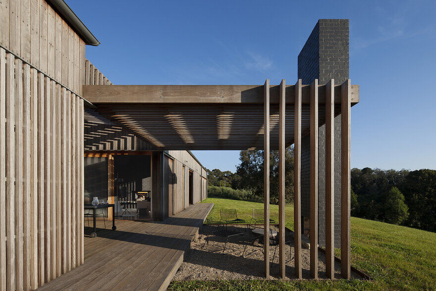 Main Ridge House / Noxon Giffen Architects3