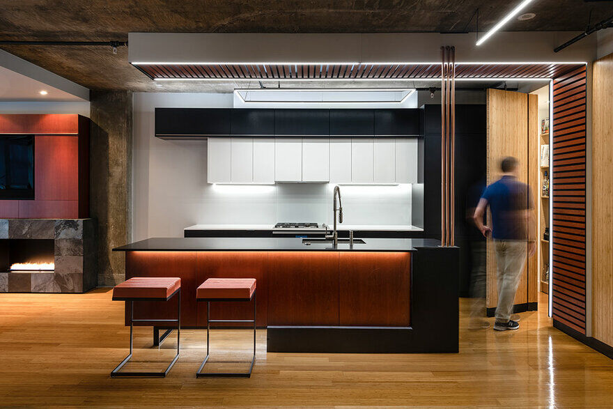 Urban Condo Full Renovation / KUBE Architecture
