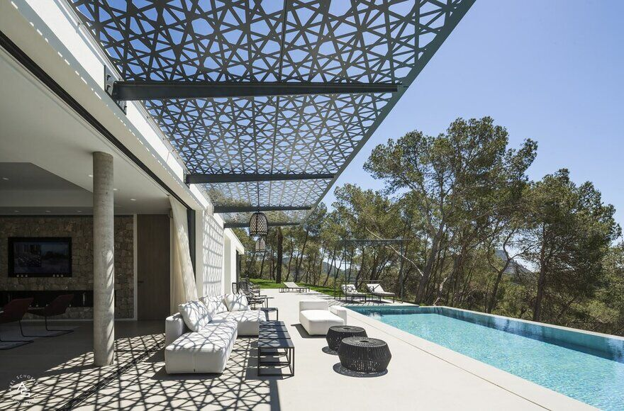 Villa The Rock Ibiza - Finding Synergy Between Nature and Architecture