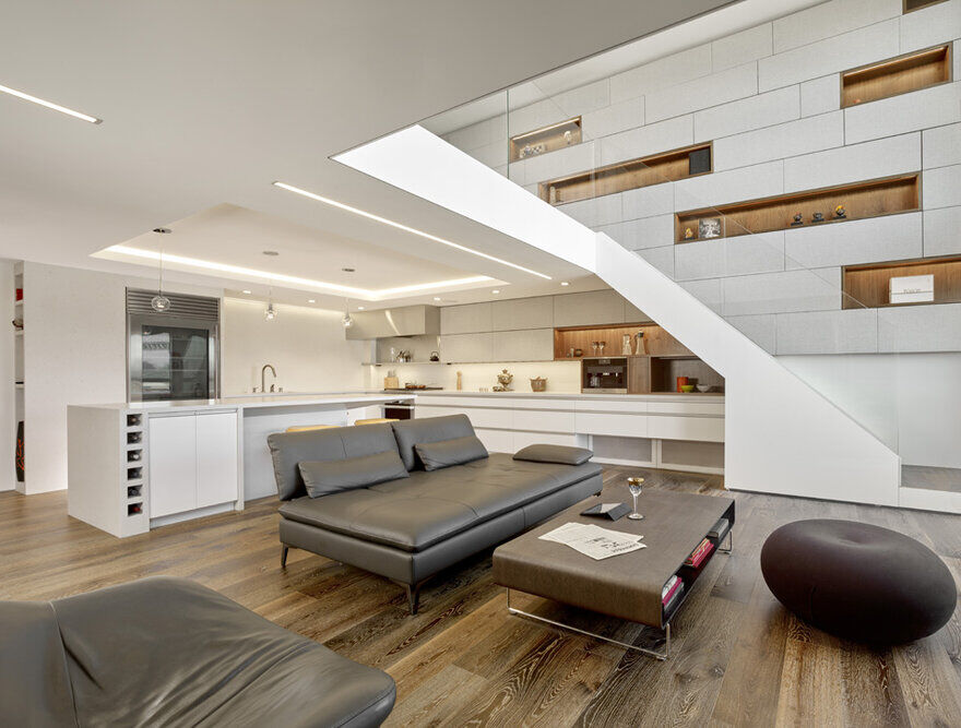 Two-Story SOMA Loft in San Francisco / INTERSTICE Architects