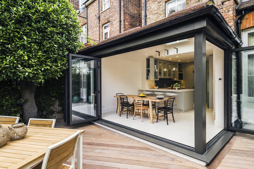 Victorian Townhouse in North London Completely Renovated by LLI Design