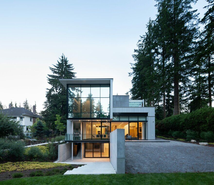 Step House / Measured Architecture