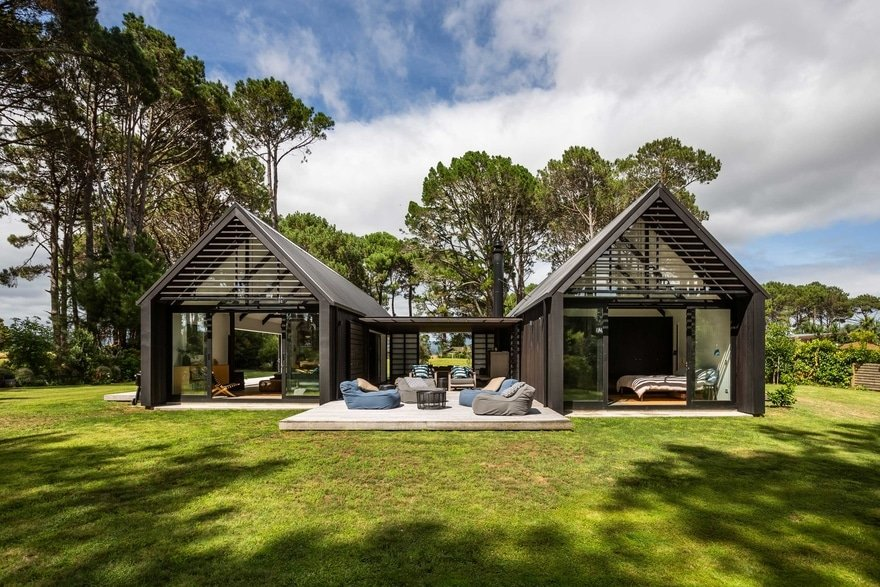 Matarangi Cabins / CAAHT Studio Architects