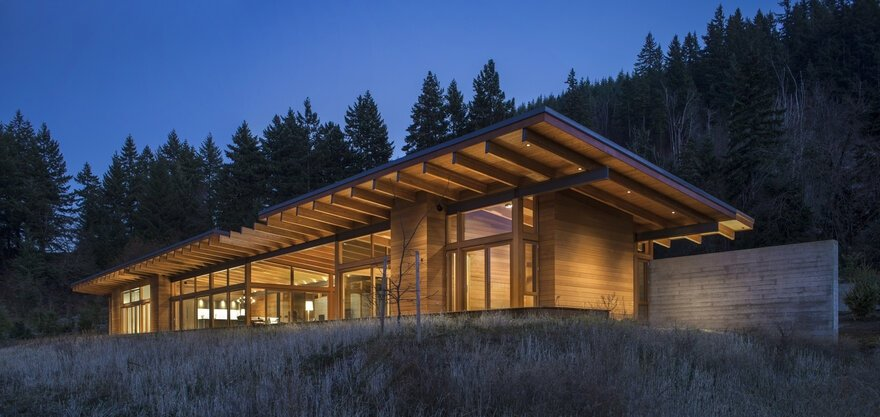 Hood River Residence by Scott | Edwards Architecture