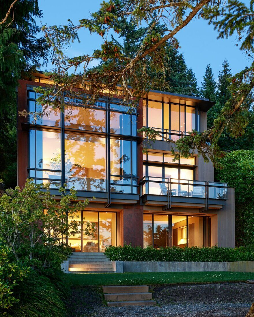 Mercer Island Residence / Graham Baba Architects