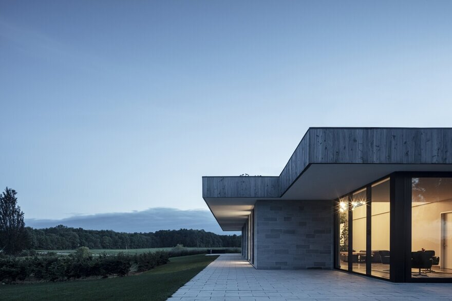 Mount Brydges House by Chris Collaris Architects