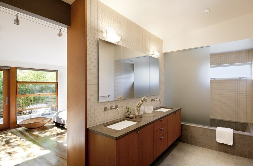 bathroom +bedroom, a Mid-Century Transformation by Rerucha Studio