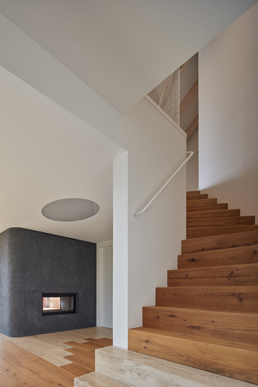 Reconstruction of an Rural Residence by Atelier SAD