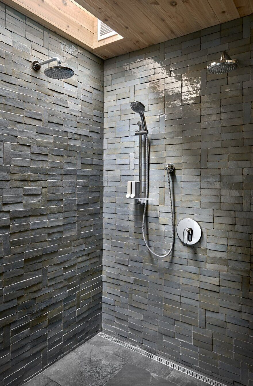 shower, Searl Lamaster Howe Architects