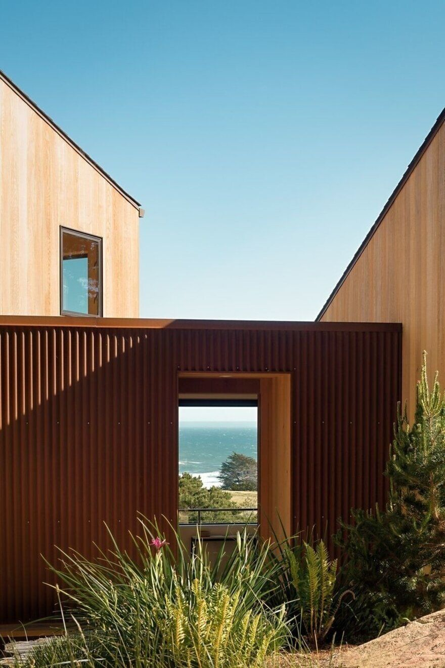 Coastal Retreat - An Architect's Vision for California Living